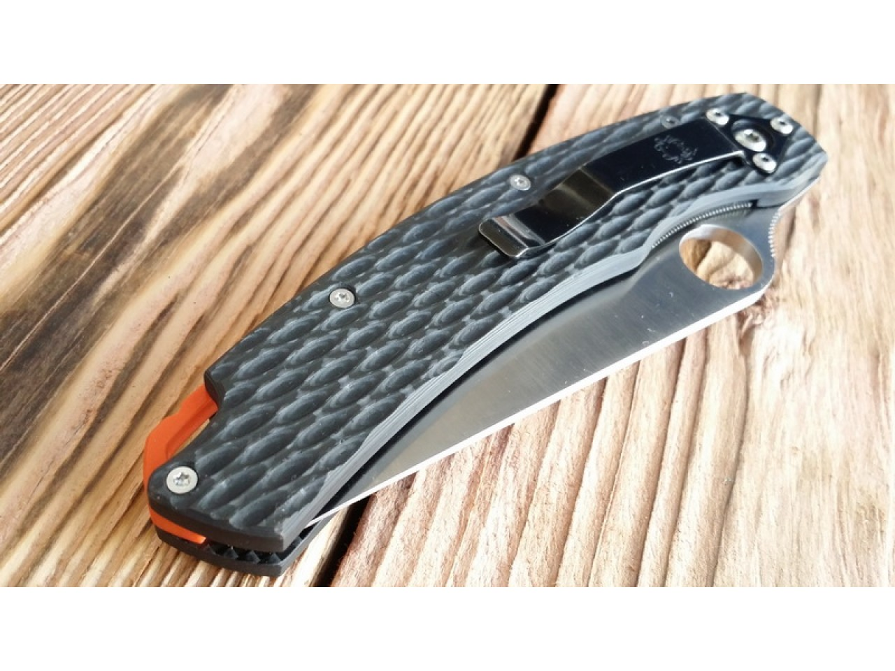 Custome scales Next-Wave, for Spyderco Military knife